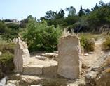 vestiges de porte, plage d'Egine